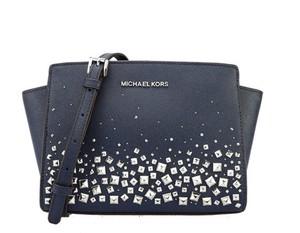 2eb124a00829 Blue Michael Kors Messenger Bags - Over 70% off at Tradesy