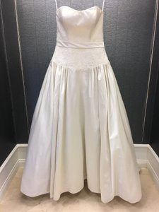 Allure Bridals Ivory Satin Strapless Lace Bodice Ball Gown Formal Wedding Dress Size 10 (M)
