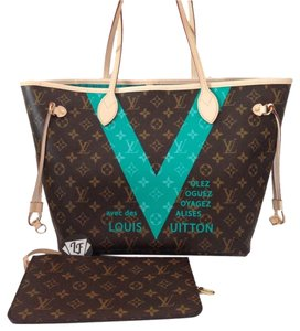 Louis Vuitton Lv Lv Tote in Turquoise