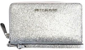 Michael Kors NEW MICHAEL KORS GIFTABLE LARGE MULTIFUNCTION PHONE WRISTLET WALLET CL