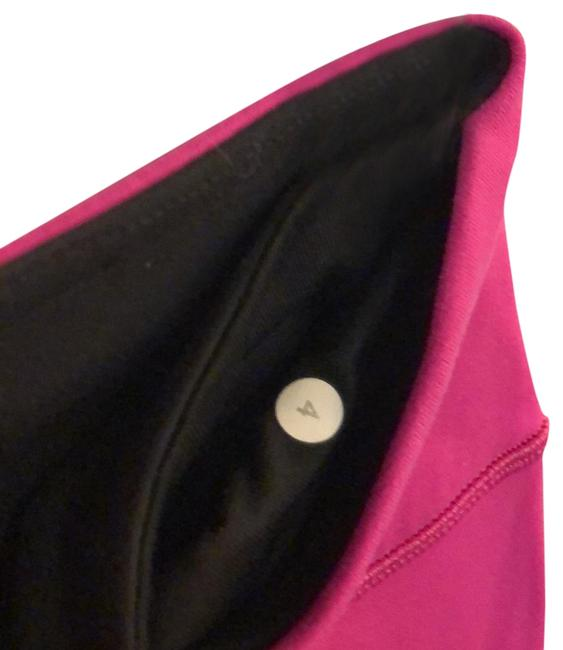 Item - Black and Hot Pink Wunder Under Low Rise Crop Activewear Size 4 (S)
