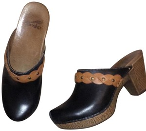 Dansko black & brown Mules
