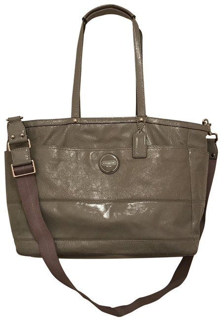 Item - Large Signature Logo Stitched Multi-function F17940 Gray Silver Patent Leather Diaper Bag