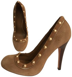 Tory Burch Suede Leather Studded New Designer Beige tan Gold Pumps
