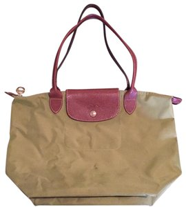 243d77c5356 Green Longchamp Bags - Up to 90% off at Tradesy