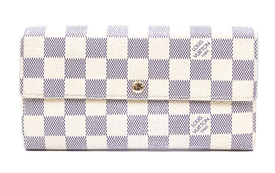 Preload https://img-static.tradesy.com/item/24649489/louis-vuitton-26361-damier-azur-long-flap-pocket-card-bill-case-zip-zipper-sarah-wallet-0-1-540-540.jpg