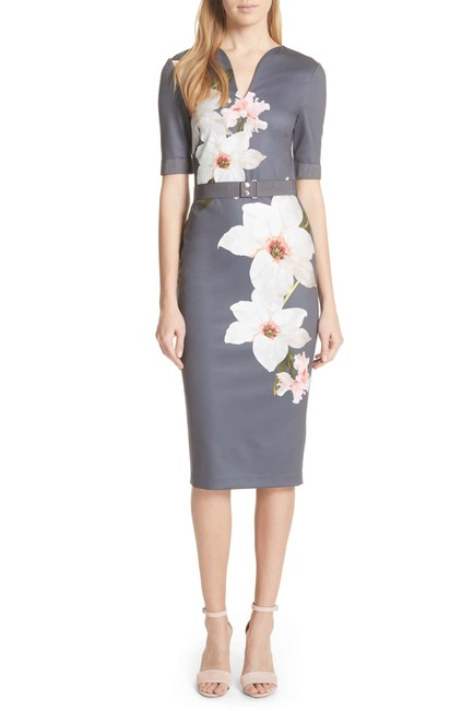 Item - Gray with Flowers London Print Belted Body-con (Us 14) Mid-length Formal Dress Size 14 (L)