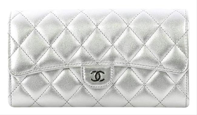 Item - Classic Flap Cc Gusset Wallet Quilted Long Metallic Silver Lambskin Leather Clutch