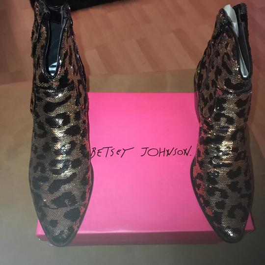 Betsey Johnson black and gold leopard print Boots Image 5
