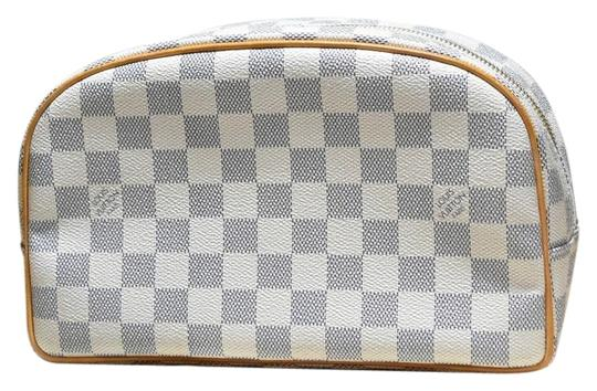Preload https://img-static.tradesy.com/item/24651467/louis-vuitton-trousse-rare-damier-azur-toilette-toiletry-cosmetic-pouch-blue-white-leather-and-coate-0-1-540-540.jpg