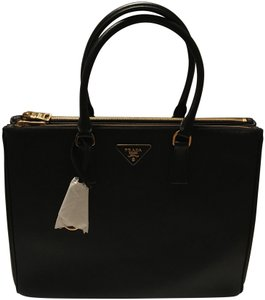 Prada Galleria Saffiano Tote in Black