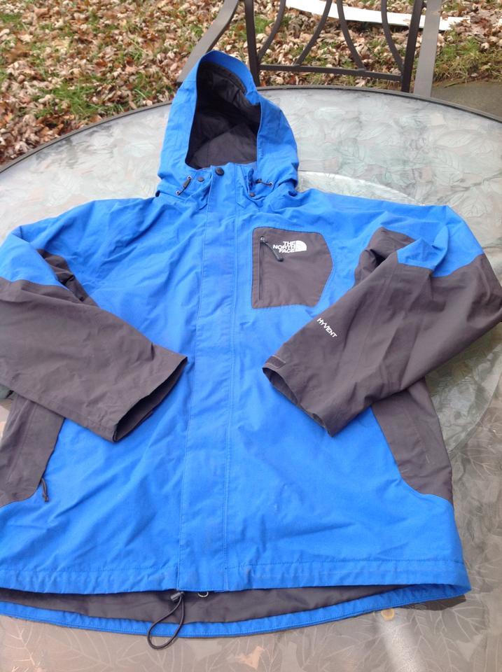 f0afce79ca39 The North Face Blue Big Boys Hyvent Winter Medium Jacket Size 10 (M) -  Tradesy