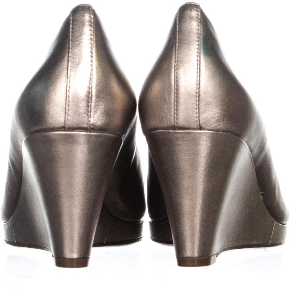 23cd221f94be Naturalizer Silver Ollie Peep Toe Heels 284 Champagne W Wedges Size US 9  Wide (C