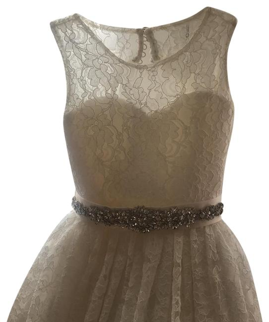 Item - Antique White Chantilly Lace with Satin Belt Long Formal Dress Size 8 (M)
