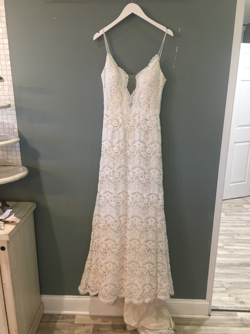 Item - Ivory Over Light Gold Lace Mietra Formal Wedding Dress Size 8 (M)