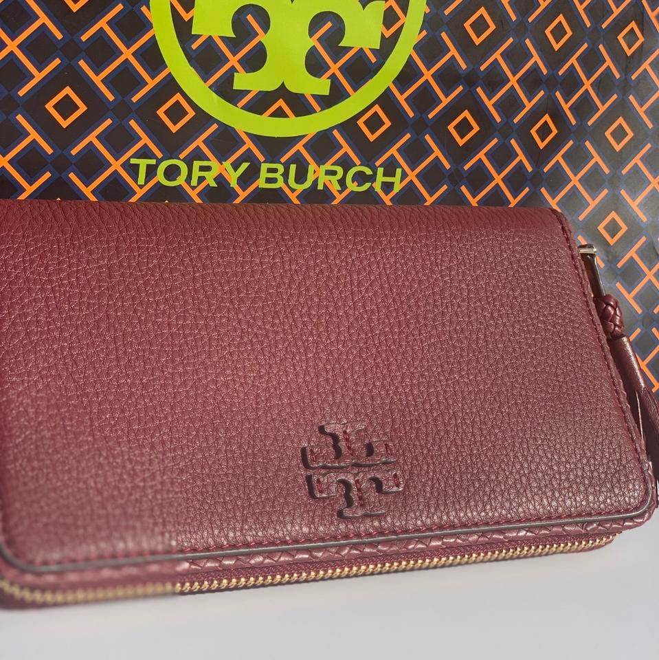 d2e4bedb651 Tory Burch Tory Burch Taylor Continental Zip Around Leather Wallet Image 5.  123456