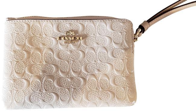 Item - With Tags Signature Ivory Leather Wristlet
