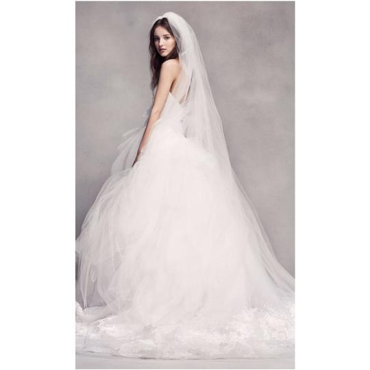 Preload https://img-static.tradesy.com/item/24659313/vera-wang-bridal-ivory-silk-strapless-tulle-lace-embroidered-ballgown-formal-wedding-dress-size-12-l-0-0-540-540.jpg