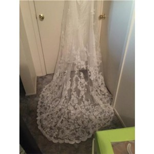Alfred Angelo Ivory A-line Fit with Lace Overlay Feminine Wedding Dress Size 8 (M)