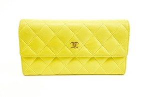 "Chanel Quilted Leather & ""CC"" Logo Long Continental (mv)"