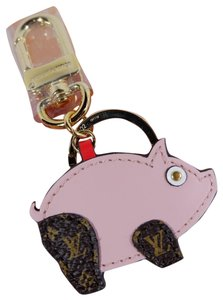 Louis Vuitton BRAND NEW LIMITED EDITION PIGGY SUPERSTITION PIG BAG CHARM AND KEY HOLDER
