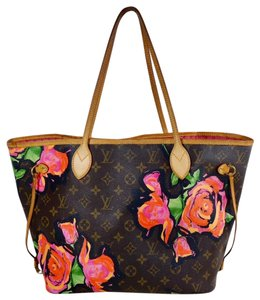 Louis Vuitton Tote in brown. Louis Vuitton Neverfull Rare Mm Limited  Edition Roses ... ed89f8aca642f