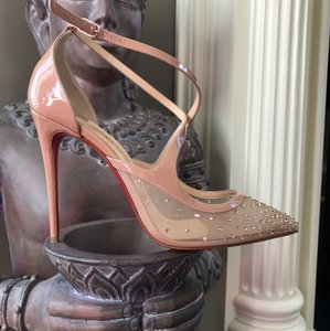 a0a966da7bbb Christian Louboutin Nude Pumps - Up to 70% off at Tradesy