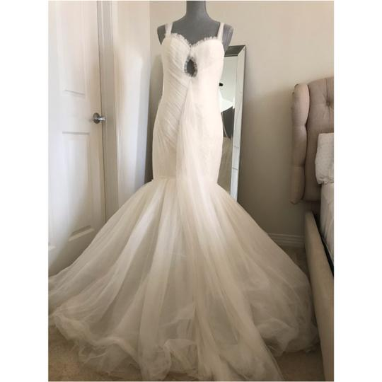 Vera Wang Ivory Soft Tulle Keyhole Front Mermaid Gown