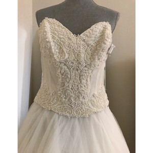 Watters Beaded and Lace Embroidered Corset Formal Wedding Dress Size 10 (M)