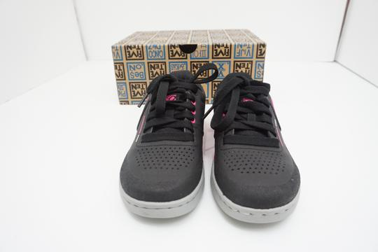 Five Ten Flats Sneakers Lace Up Freerider Size 6 Black / Pink Athletic Image 9
