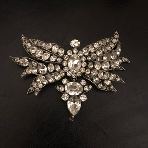 White Crystal Butterfly Brooch/Pin