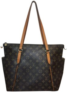 Louis Vuitton Shoulder Monogram Totally Totally Mm Tote in Brown