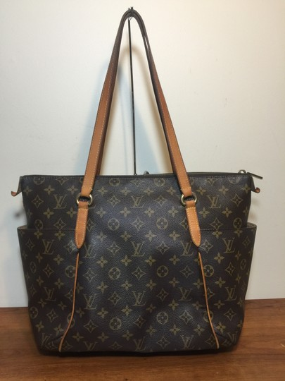 Louis Vuitton Shoulder Monogram Totally Totally Mm Tote in Brown Image 1