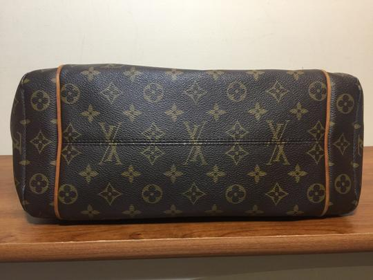 Louis Vuitton Shoulder Monogram Totally Totally Mm Tote in Brown Image 2