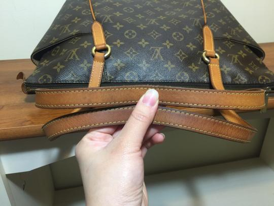 Louis Vuitton Shoulder Monogram Totally Totally Mm Tote in Brown Image 5