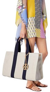 Tory Burch Tote in Natural/Royal Navy