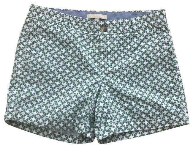Item - Green and White Cuffed Front Back Pockets Shorts Size 2 (XS, 26)