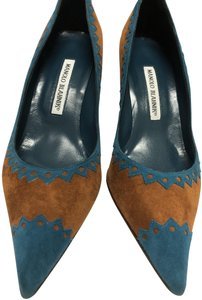 Manolo Blahnik Tan/Turquiose Pumps