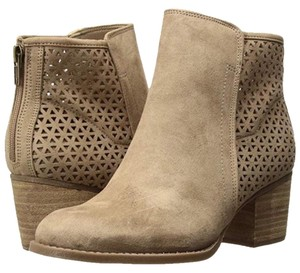 Madden Girl sand Boots