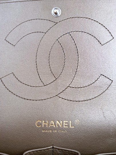 Chanel Lambskin Jumbo Double Flap Cross Body Bag Image 11