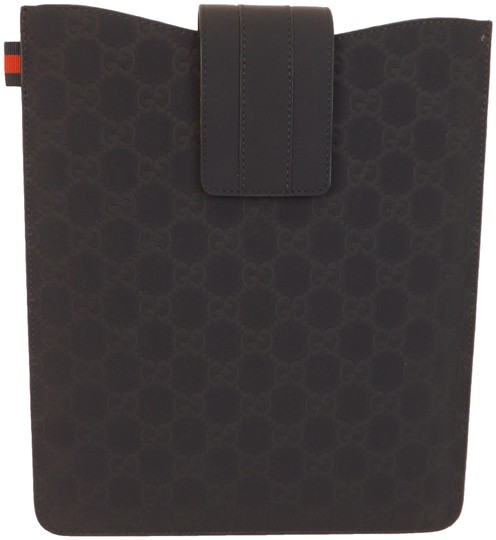 Preload https://img-static.tradesy.com/item/24670466/gucci-navy-gg-guccissima-rubberized-leather-web-ipad-tablet-case-256575-0-1-540-540.jpg
