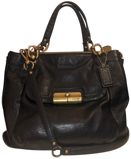 Preload https://img-static.tradesy.com/item/24670482/coach-has-expandable-zippers-on-sides-blackle-leather-shoulder-bag-0-1-540-540.jpg
