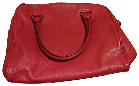 Preload https://img-static.tradesy.com/item/24671045/michael-michael-kors-with-lock-strap-and-dust-red-leather-satchel-0-2-540-540.jpg