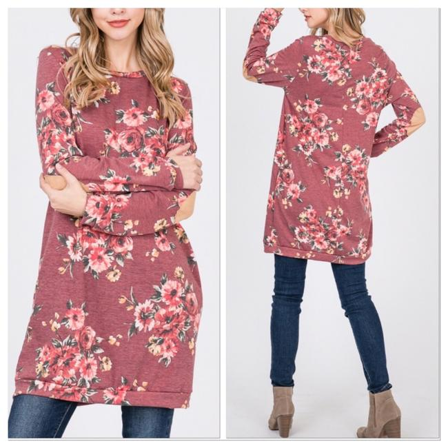 Preload https://img-static.tradesy.com/item/24671257/multicolored-cozy-and-comfy-tunic-size-8-m-0-0-650-650.jpg