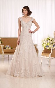 Essense of Australia Ivory/Stone/Almond Lace/Beading D2167 Feminine Wedding Dress Size 18 (XL, Plus 0x)