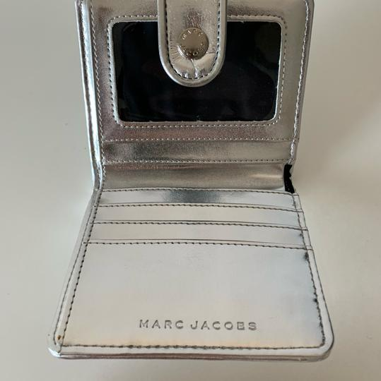 Marc Jacobs Marc Jacobs Quilted Metallic Patent Leather Wallet Image 2
