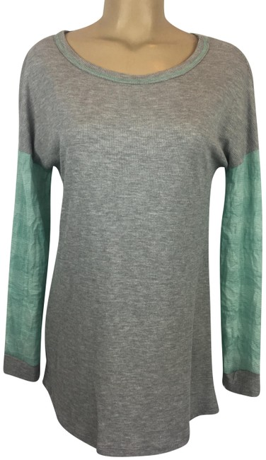 Preload https://img-static.tradesy.com/item/24673798/anthropologie-grayblue-long-sleeve-tee-shirt-size-6-s-0-1-650-650.jpg