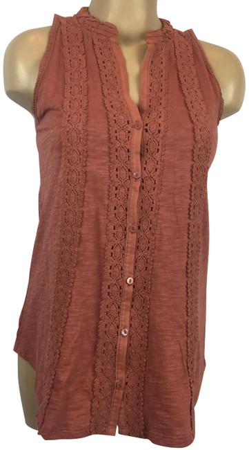Preload https://img-static.tradesy.com/item/24674064/anthropologie-brown-sleeveless-crochet-blouse-size-2-xs-0-1-650-650.jpg