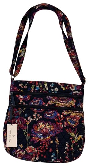 Preload https://img-static.tradesy.com/item/24674138/vera-bradley-triple-zip-hipster-midnight-wildflowers-cross-body-bag-0-1-540-540.jpg