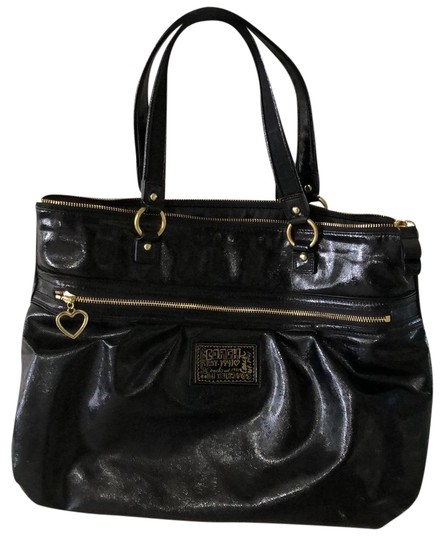 Preload https://img-static.tradesy.com/item/24674332/coach-1941-poppy-daisy-black-patent-leather-shoulder-bag-0-1-540-540.jpg